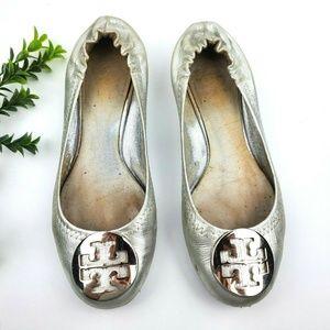 TORY BURCH Silver Metallic Reva Ballet Flats S21